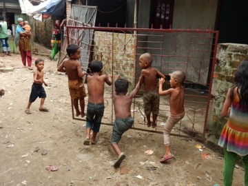Slumkinder in Chittagong