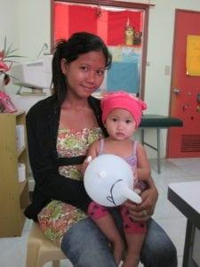 Glückliche Mutter mit Kind
