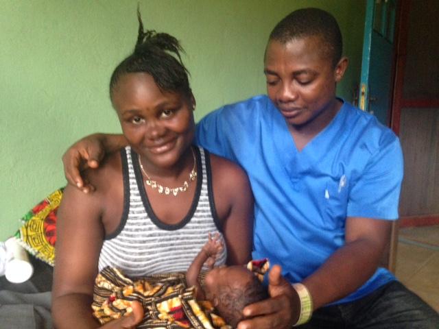 Eltern mit Baby smallsmall