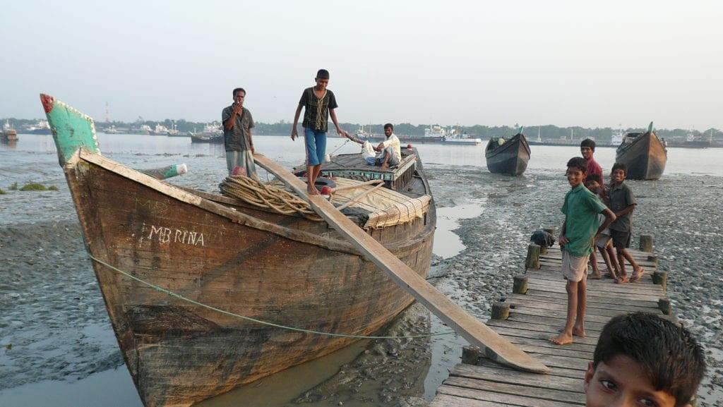 Männer auf Boot